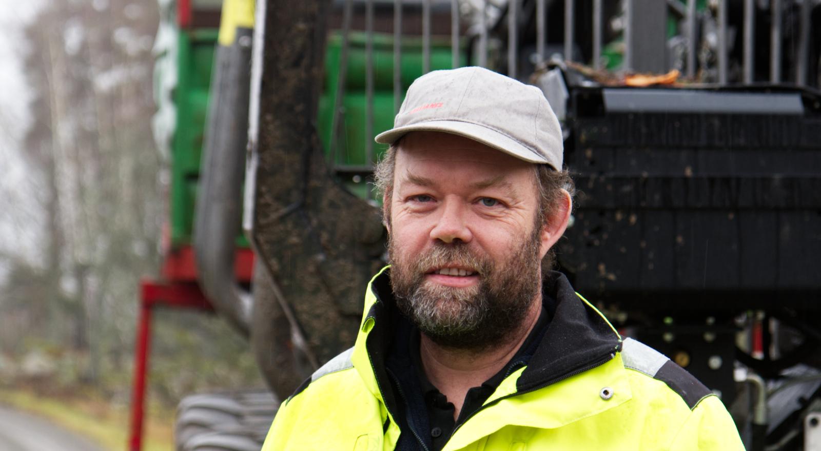 Robert Karlsson är PEFC-certifierad skogsägare och entreprenör.