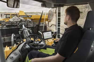 Optimera lastcyklerna med Load Assist, som drivs av Volvo Co-Pilot – den revolutionerande displayen i hytten. Få tillgång till en uppsättning smarta appar och öka effektiviteten i verksamheten.