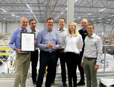 Från vänster: Richard Aulin, Markus Nilsson, Stefan Stockhaus, Peter Dovrell, Gertrud Åkesson, Fredrik Segerström och Lars Östman i Steelwrist AB:s ledningsgrupp