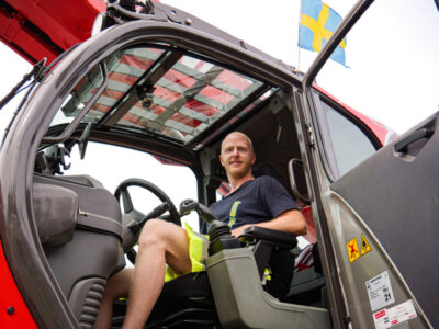 Dennis Lauge kör Manitou MRT3050 P+ vid tunnelbygget i Häggvik